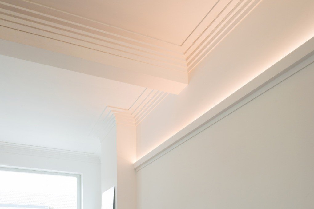 C383 Cimaise eclairage indirect plafond orac decor 200 cm